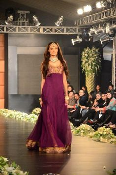 Love the simplicity of this.  #desi #fashion #pakistani