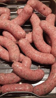 In this episode: Oktoberfest bratwurst recipe. Bratwurst Sausage, Bratwurst Recipes, Pork Recipes, Dog Food Recipes, Cooking Recipes, Sausages, Charcuterie, Chorizo, How To Make Sausage