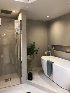Classic Bathroom, Modern Bathroom Decor, Bathroom Interior, Small Bathroom, Bathroom Renos, Rooms Home Decor, Home And Deco, Bathroom Inspiration, Interior Design