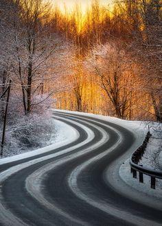 Road in wintertime in Hämeenlinna, Finland ~ Lauri Lohi