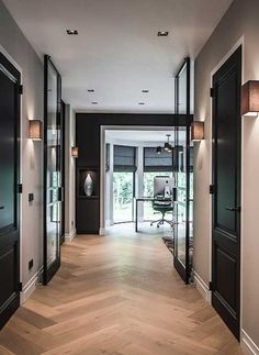 Versteegh-Design-brede-gang - New Deko Sites Style At Home, Corridor Design, Home Living Room, Home Fashion, Home Renovation, Interior Design Living Room, Interior Architecture, Building A House, New Homes