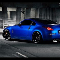 Blue Nissan 350z! :) I WILL have this someday!