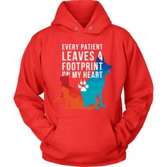 Every patient leaves a footprint on my heart Veterinarian T-shirt