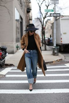 cuffed jeans-wide brmi hat-camel coat-black turtleneck-brucnch night out weekend-pumps-oversized boyfriend jeans-atlantic-pacific