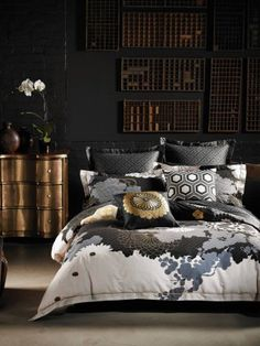 Time to update your quilt cover? Coming in a huge array of colours and styles, you're sure to find the perfect quilt cover set with Linen House. Duvet Covers Nz, Black Duvet Cover, Quilt Cover Sets, Duvet Bedding, Linen Bedding, Bed Linen, Bedroom Inspo, Home Bedroom, Dream Bedroom