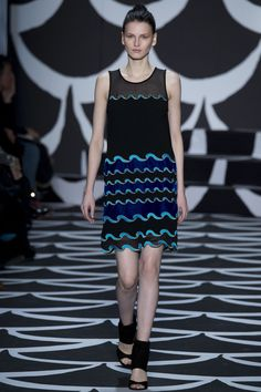 http://www.vogue.de/fashion-shows/kollektionen/herbst-2014/new-york/diane-von-furstenberg/runway/00300h
