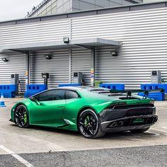 OakleyDesign Lamborghini Huracan