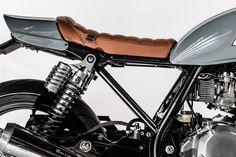 Kawasaki Zephyr 750 Cafe Racer by Barn Built Bikes #motorcycles #caferacer #motos   caferacerpasion.com