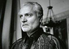 Gianni Versace ganha exposição 20 anos após sua morte   Donna Éllegancia https://donaelegancia.wordpress.com/2017/07/26/gianni-versace-ganha-exposicao-20-anos-apos-sua-morte/
