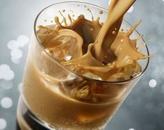 Ír krémlikőr recept, Baileys házilag   CivilHír Beverages, Drinks, Baileys, Cookie Recipes, Peanut Butter, Recipies, Paleo, Food And Drink, Pudding