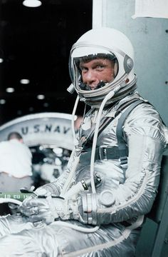On February astronaut John Glenn became the first American to orbit the Earth during the Mercury-Atlas 6 mission to space. After circling our planet three times in the Friendship Science Fiction, Science Space, Project Mercury, Nasa Astronauts, Space Race, Space And Astronomy, Nasa Space, Space Program, Space Shuttle