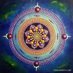 Dot-Art mandala painting creative sparkle by Tessa Smits