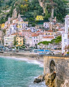 Amalfi Coast Tours in south of Italy by locals. Discover the Amalfi Coast with us by visiting places like Amalfi, Ravello, Capri, Positano. Amalfi Coast Hotels, Amalfi Coast Italy, Best Places To Eat, Positano, Travel Pictures, The Good Place, Things To Do, Dolores Park, Bella