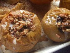 Manzanas horneadas al vino con relleno de leche evaporada y arándanos Receta de Cuqui - Cookpad