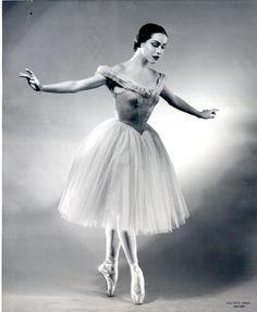 """Maria Tallchief was a Native-American ballet dancer and the first prima ballerina of the Paris Opera Ballet, City Ballet, Ballerine Vintage, La Bayadere, Dance Legend, Ballet Photos, Ballet Pictures, Dance Photos, Dance Pictures"