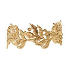Casted Lace Bangle -Gold