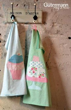 Summer Loft - Tea Towels - It's Free!at - Knitting and Crochet Needles - Patchwork Crochet Needles, Knit Crochet, Swiss Design, Sewing Studio, Craft Shop, Needle And Thread, Kitchen Towels, Retro, Tea Towels