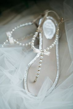Hochzeit im Houston Oaks Country Club - wedding - Bridal Sandals, Bridal Shoes, Wedding Shoes, Wedding Jewelry, Beach Wedding Sandals, Beach Weddings, Pearl Sandals, Wedding Beach, Wedding Favors
