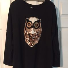"Owl Sweater . Black. XL Owl embellished sweater. measurement laying flat is 23"". Black. Cute and oversized. XL Sweaters Crew & Scoop Necks"