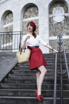 Miss Pandora - Louise Ebel - Part 4 Beret Rouge, Paris Fashion, Girl Fashion, Louise Ebel, Paris Outfits, Parisienne Chic, French Girl Style, Style Retro, Dress Out