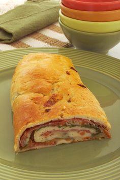 Clique e veja a receita de Rocambole italiano! Também veja dicas de como fazer Rocambole italiano com ingredientes deliciosos e se tornar um verdadeiro chef de cozinha!