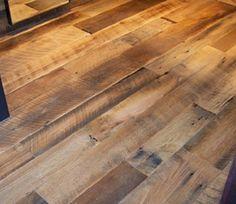 Reclaimed Wood Flooring | Wire Brushed Tobacco Barn Oak Flooring