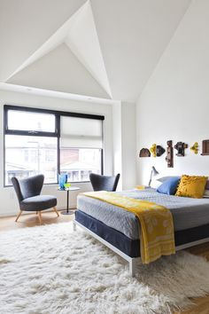Textile designer Bev Hisey has lived in this Toronto home for 15 years. For the first 13, she was a renter until she finally had the opportunity to buy it just a couple of years ago.  And after 13 years, she had a long wish list of changes. She completely opened up the home, making it bright and airy.