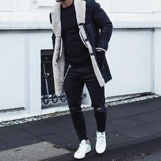 Street & Casual. #hoodsfashion ➖➖➖➖➖➖➖➖➖➖➖➖➖➖➖➖ Check out @mensfashion_insta for more fashion posts!
