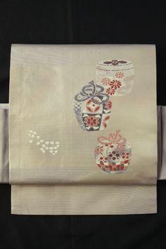 White gray nagoya obi / 白鼠色地 棗のお太鼓柄 名古屋帯  #Kimono #Japan http://www.rakuten.co.jp/aiyama/