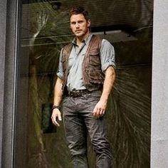 Owen Grady (@RaptorTrainerJW) | Twitter Jurassic Park Costume, Jurassic Park Film, Jurassic Park Party, Jurassic Park World, Jurassic World Chris Pratt, Jurassic World Fallen Kingdom, Star Lord, Actor Chris Pratt, Falling Kingdoms