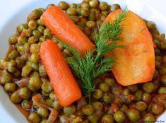 Είναι ένα πιάτο νηστίσιμο, θρεπτικό και γεμάτο με αρώματα ελληνικής παράδοσης. Peas And Carrots Recipe, Cooked Carrots, How To Cook Peas, Mixed Vegetables, Veggies, Stew Peas, Recipe Cover, Canning Tomatoes, Cooking For Beginners