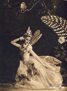 Vivien Leigh as Titaniain Shakespeare's A Midsummer Night's Dream, 1938. (Via Darla Teagarden.)