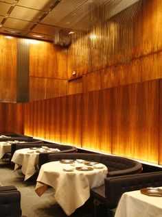 Grill Room, Four Seasons Restaurant. Seagram Building, New York. Image Courtesy of ww.fourseasonsrestaurant.com