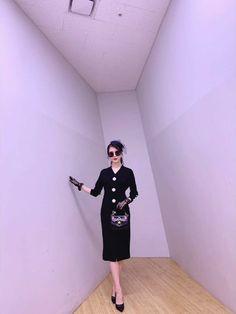 IU #HotelDelLuna (IU's Stylist update) Luna Fashion, 80s Fashion, Star Fashion, Korean Fashion Men, Korean Celebrities, Korean Outfits, Pretty Men, Dress Outfits, Celebrity Style
