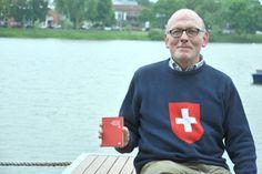 Karl-Heinz Binggeli trägt ein Stück Schweiz im Herzen, zuweilen auch in Form eines Schweizerkreuzes auf seinem Pullover. (zVg)