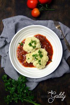 Kulinarne przygody Gatity - przepisy pełne smaku: Kalafior w pikantnym sosie pomidorowym (dieta dr D...