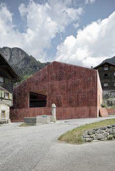 Valerio Olgiati - Atelier Bardill, Scharans 2007. Via, photos © Dominique Marc Wehrli.