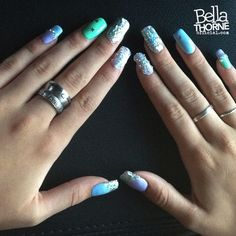 Bella Thorne's glitter nails