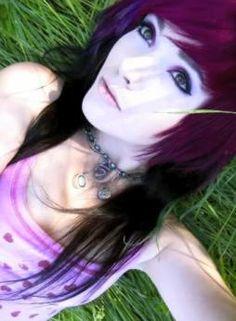 Beautiful purple and black hair! Purple Black Hair, Leda Monster Bunny, Leda Muir, Dyed Hair, Piercings, Hair Color, Chokers, Hair Styles, Pretty