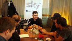 Bernhard Eisel im Sky-Pressetalk mit österreichischen Radsport-Journalisten im Cafe.Restaurant.Halle im Wiener Museums-Quartier