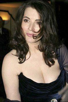 British Celebrities, British Actresses, Sexy Older Women, Sexy Women, Best Gowns, Tv Girls, Nigella Lawson, Tv Presenters, Woman Crush