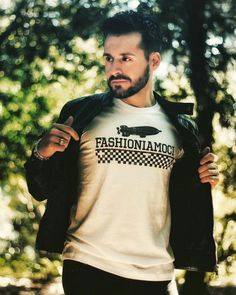 finest selection 0ac62 cb3fe 43 fantastiche immagini su T-shirt e Magliette Uomo nel 2019