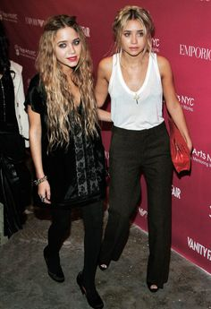 Mary-Kate olsen and Ashley olsen in 2006  mary kate olsen olsen twins mka olsen the row style icon style icons street style inspo boho grunge gothic elizabeth and james elizabeth & james