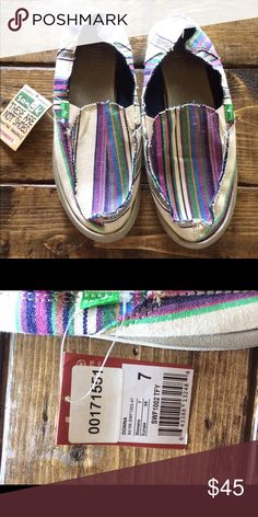NWT Sanuk Hippie Boho Striped Shoes 7 Gorgeous style and perfect for any season! Sanuk Shoes Flats & Loafers