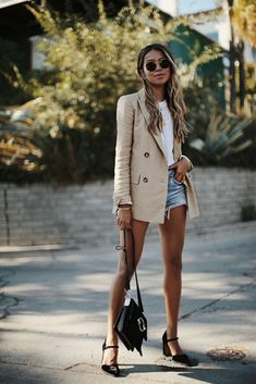 7 Outfit Ideas from Sincerely Jules – Street Style Rocks 7 Outfit Ideas from Sincerely Jules 7 Perfect (and Perfectly Affordable) Looks From Sincerely Jules Fashion Blogger Style, Fashion Mode, Look Fashion, Autumn Fashion, Fashion Styles, Fashion Bloggers, Feminine Fashion, City Fashion, Fashion News