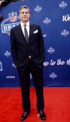 #1 in 2016 NFL Draft to LA Rams, former California QB, Jared Goff Jared Goff, La Rams, My King, Fashion Suits, Mens Fashion, Nfl, Football, Sports Teams, Eye Candy