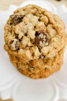 Chewy Oatmeal Chocolate Chip Cookies. These are yum!