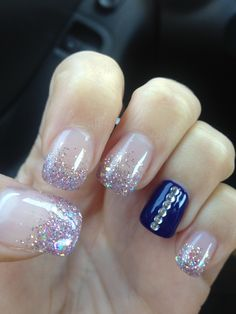 I Love this especially the blue nail and glitter