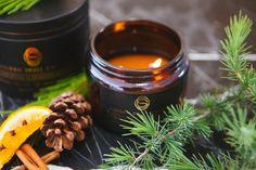 Pomander, Christmas fragrance. http://goldenskullcandles.com/shop   #candle #candles #soywaxcandles #marble #luxury #xmas #christmas #pomander #orange #pine #cinnamon #clove