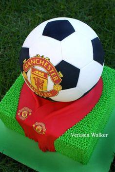 Soccer ball Cake - http://verusca.deviantart.com/gallery/#/d4wgjk5